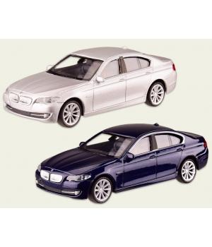 Коллекционная модель БМВ 535л (BMW 535i) машинка металлическая, 1:43, (белый, темно-синий), WELLY