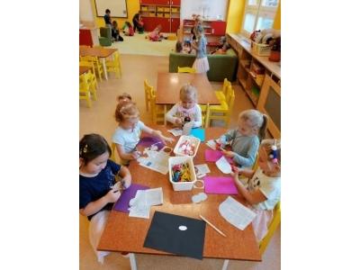 Что можно подарить детям в детском саду ?